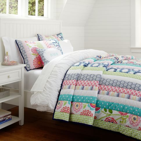 Seaside Floral Surf Quilt, Twin