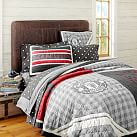 <strong>Manchester United </strong>&#174; Quilt + Sham, Twin, Multi